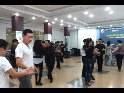 Dancesport rumba-Lop hoc tai CVHLD(hlv Trong Dat)