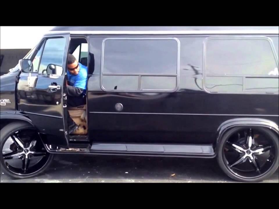 Conversion Van On 26s >> Chevy Hightop Van Bagged on 26s - YouTube