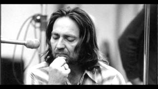 Watch Willie Nelson I Still Cant Believe Youre Gone video