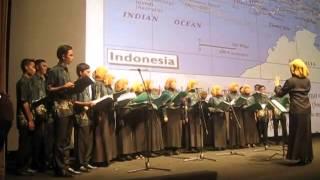 Download Lagu Ayam Den Lapeh & Ondeh-Ondeh (Medley) Gratis STAFABAND
