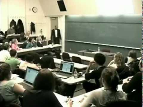 Un Prof Pete les plombs et detruit le PC d'un étudiant
