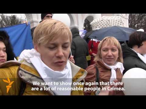 Simferopol Residents Rally For Ukrainian Unity