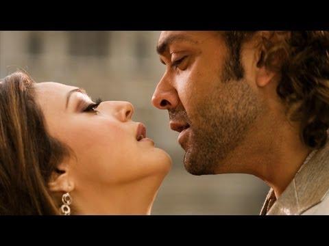 Kiss Of Love - Song  Promo - Jhoom Barabar Jhoom