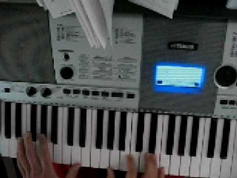 Comment jouer Jeune et con de Saez au piano