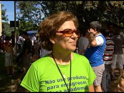 Caminhada é realizada em comemoração ao Dia Mundial da Saúde