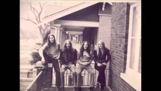Lynyrd Skynyrd - Ain't No Good Life