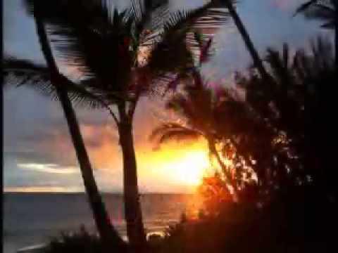 14KEALI'I REICHEL singing HANOHANO 'O MAUI Hawaiian music