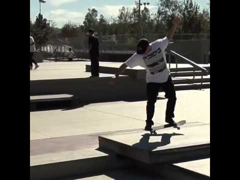 Quick one at #NoHo plaza with @sewakroetkov 🎥: @thejoeface | Shralpin Skateboarding