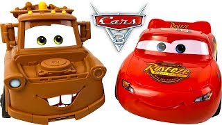 UNBOXING DISNEY PIXAR CARS 3 TRANSFORMING MATER PLAYSET AND FUN WITH TRANSFORMING LIGHTNING MCQUEEN