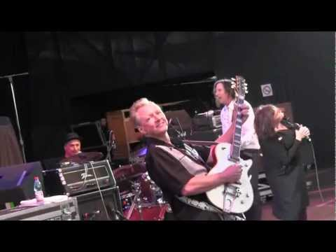 X-Billy Zoom Santiago Chile 11.16.11.wmv