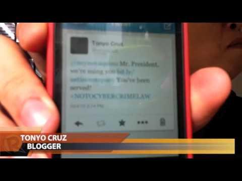 bloggers sue President Aquino