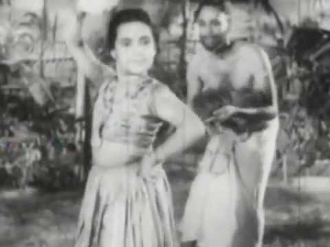 Aanathalayolam Venna Tharameda video