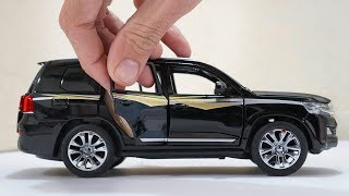 Unboxing of Toyota Land Cruiser 2018 1:24 Scale Diecast Model Car