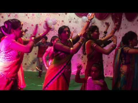 laal paan sariya - Indian Shaadi group dance