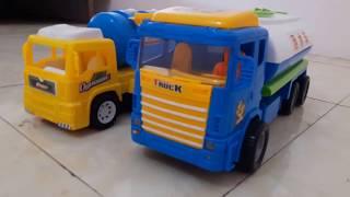 Cùng bé chơi ôtô chở xăng dầu đồ chơi - Xe bồn đồ chơi trẻ em!