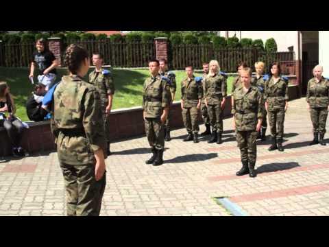 Pokaz Musztry W Wykonaniu Klas Mundurowych Szkół ZDZ W Radomiu