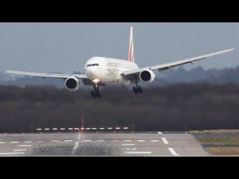 Crosswind Landings during a storm at Düsseldorf  B777,767,757 A330 Sturm Andrea, (watch in HD)