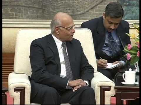 05 December 2012 - Indian national security advisor meets