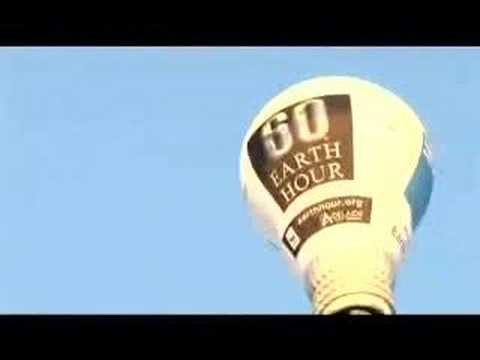 The Earth Hour Hot Air Balloon, on loan to Earth Hour from AGL visited