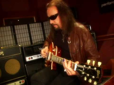 Talking Metal Ace Frehley Interview