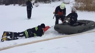 Рятувальники відпрацювали дії з порятунку людей, що провалилися під лід