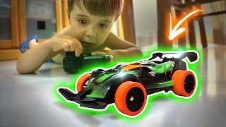 O CARRINHO DE CONTROLE REMOTO MAIS RAPIDO QUE UM RATO!! RC Car Toy Drift Racing Fast Lane Toys R Us