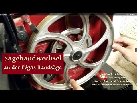 Sägebandwechsel An Der Feinschnitt Bandsäge Von Pégas