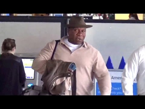 X17 EXCLUSIVE - ADT Spokesman Ving Rhames Catches A Flight At LAX
