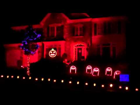 Halloween Light Show 2011 -  Thriller