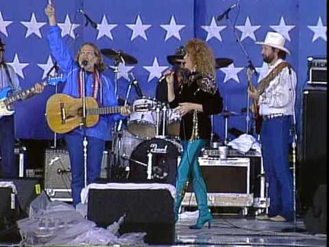 Willie Nelson, Arlo Guthrie and Dottie West - The City of New Orleans Live at Farm Aid 1985