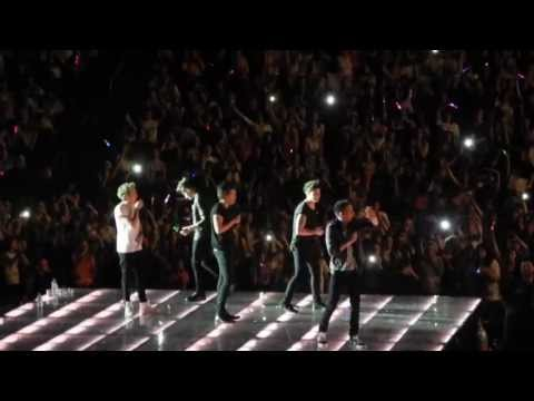 "One Direction - ""My Heart Will Go On"" - Twitter questions in Berlin 05/11/13"