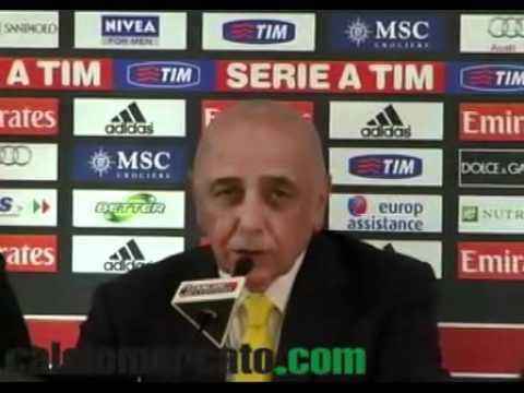 Raduno Milan, Berlusconi 'Tifosi, state tranquilli: non ci tiriamo indietro' VIDEO
