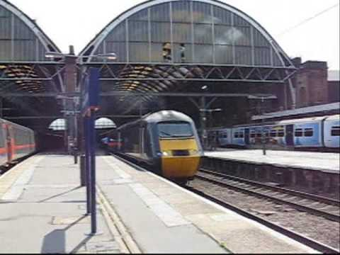 London - 11/08/07 - Part 4 - Comings and Goings at London King's Cross Trains - First Capital Connect Class 313, 365, GNER HST and Class 91, Hull Trains Clas...