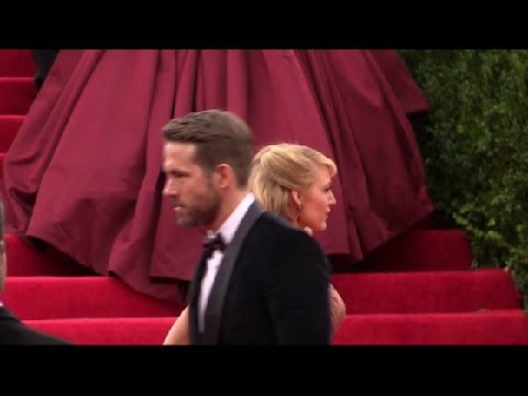Ryan Reynolds and Blake Lively (Met Gala 2014)