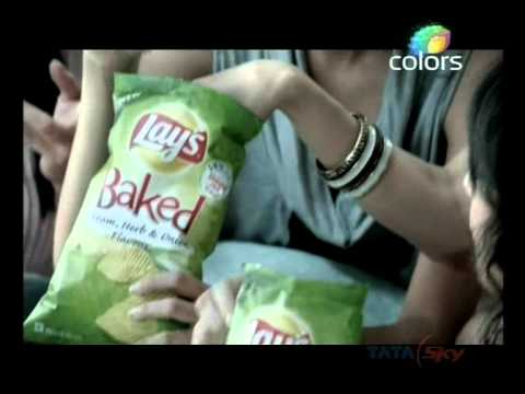 Latest Commercials : Lays Baked Chips ad - Gi...