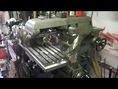 Apparecchio per la realizzazione di ingranaggi col creatore sulla fresatrice - 2