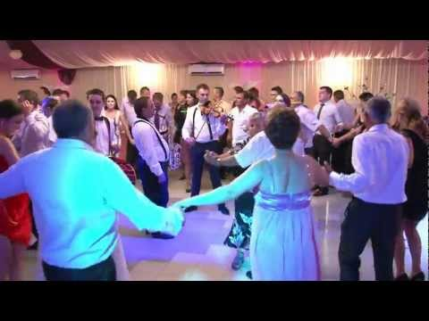 Formatia Fiesta din Bacau - Sarbe moldovenesti 2012 (Clip 2)