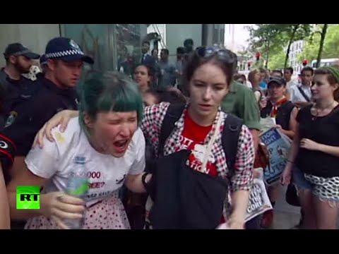 Police pepper-spray, shove student protesters in Australia