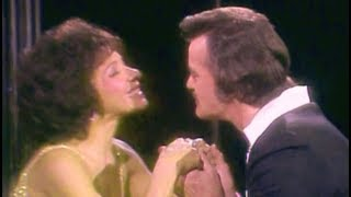 Shirley Bassey - You Don't Bring Me Flowers (Duet w Robert Goulet) ( 1982 TV Special)