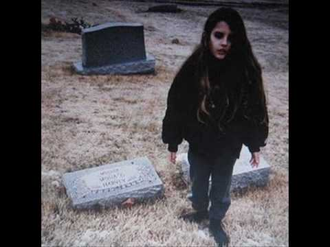 Crystal Castles - Intimate