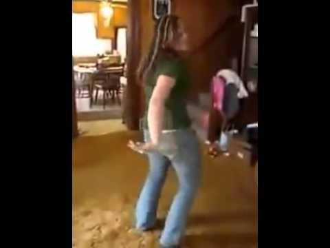 Desi Mujra At Home Egyptian Belly Dance 'رقص شعبى افراح شعبية مصرية' video