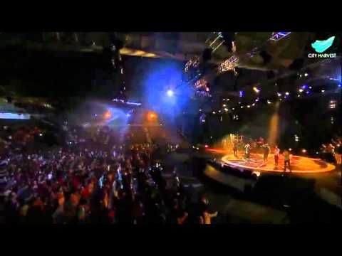 I Lift My Hands - Chris Tomlin  City Harvest Church video