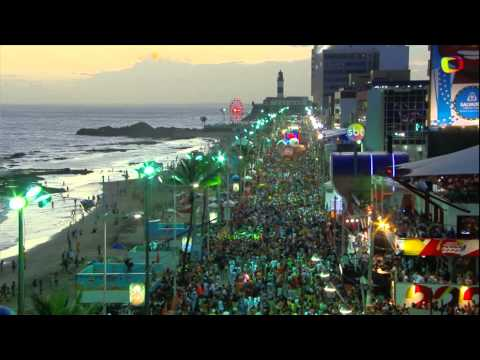 Ivete Sangalo Separa Briga De Casal No Carnaval de Salvador 2015