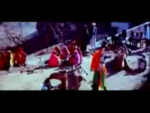 Ghoonghat Ki Aad Se video