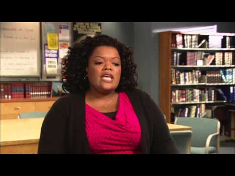 "Yvette Nicole Brown ""Shirley"" Community Season 4 Interview!"
