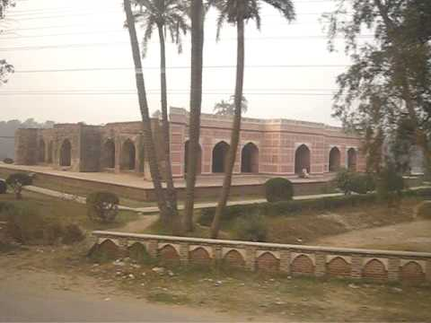 Visit by Train Lahore to Gujranwala 15 Nov 2008 Pakistan - Noor Jahan Tomb