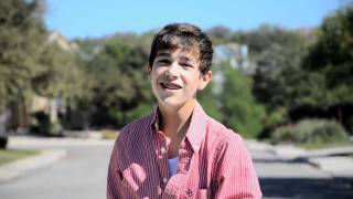 Watch Austin Mahone Mistletoe video