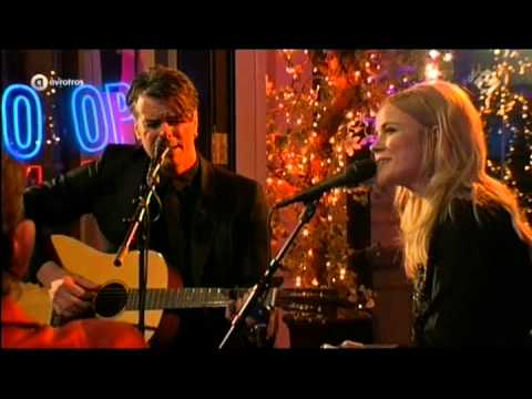 The Common Linnets - Christmas Around Me