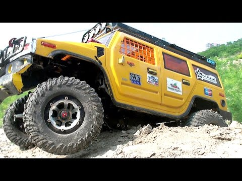 RC OFF Road Semi Trucks Globe Liner 6x6 VS Hummer H2 VS Land Rover Defender