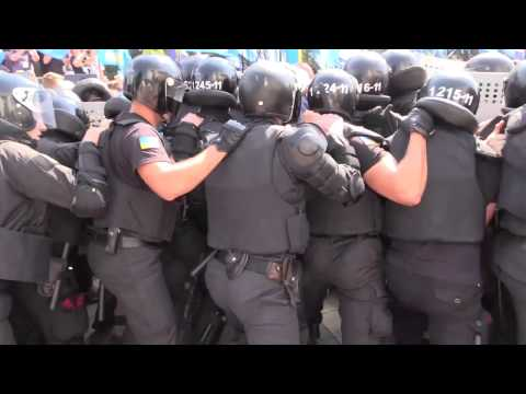 Nationalist Protesters Clash With Police Outside Kiev Parliament 2